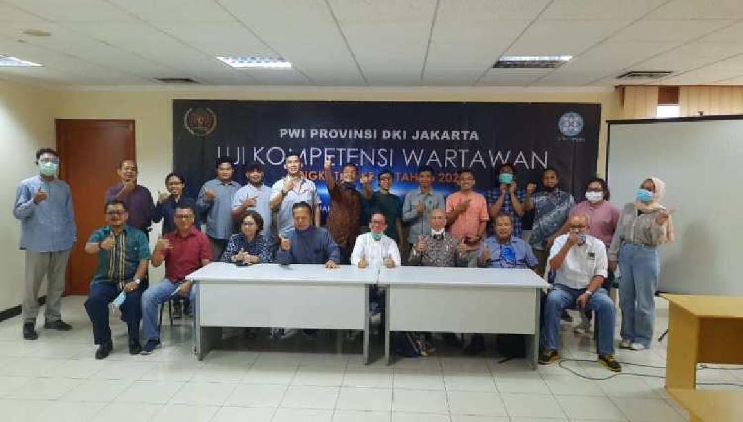 Foto bersama dalam suasana penutupan UKW DKI Jakarta. Foto: Istimewa